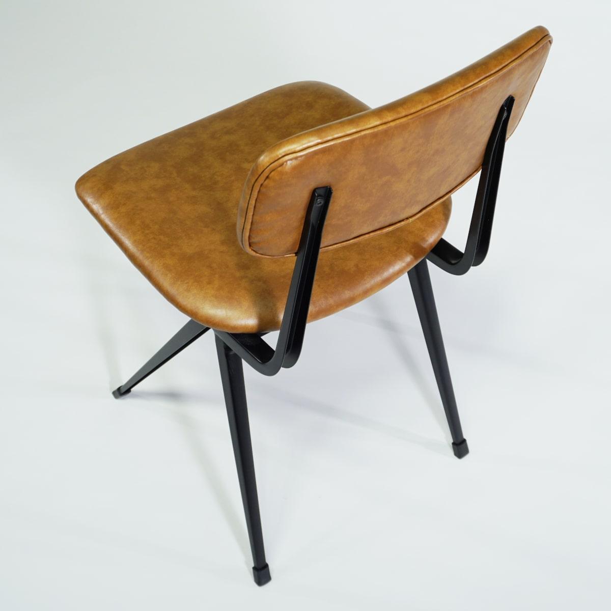 Old School Chair braun gepolstert
