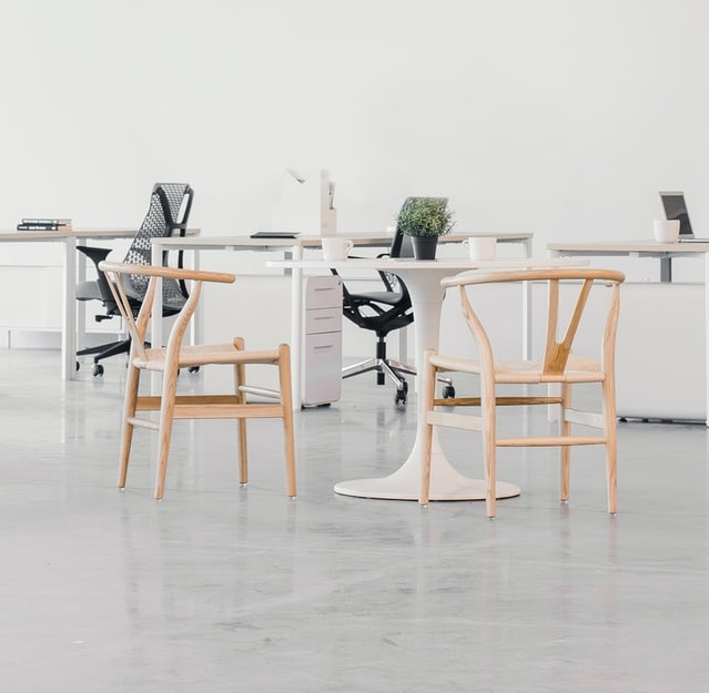 Wegner Stühle Office