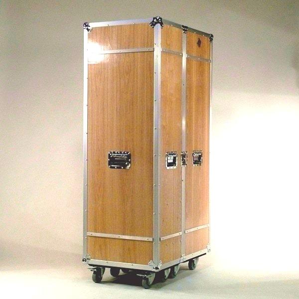 Garderobe rollbar Holz Case Design